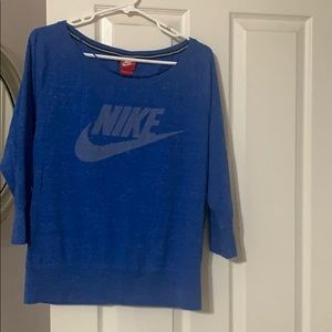 Women's Nike light weight shirt
